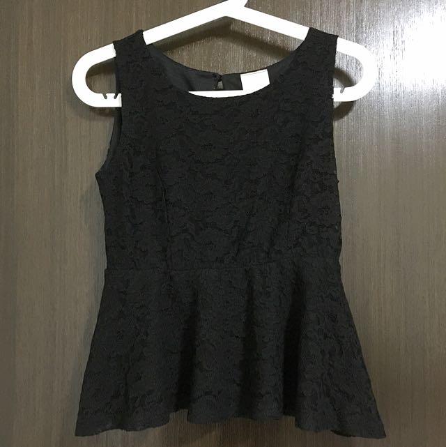 (SALE) Lace Peplum Top (Black)