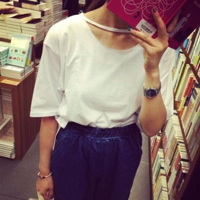 韓國東大門休閒寬松領口大洞簡約百搭短袖T恤(2色)