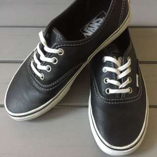 RARE LEATHER VANS - Black And White Women's Size 6.5