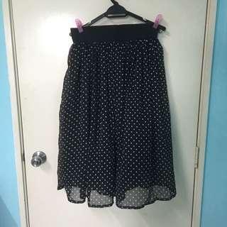 [BN] New Look Black Polka Dot Midi Skirt