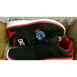 DC 正牌紅黑運動鞋 (全新)