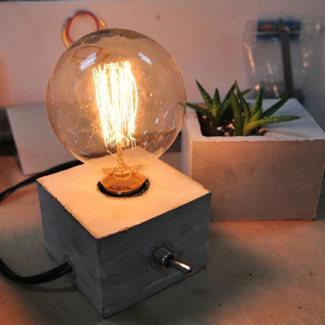 手工水泥燈座 附燈泡