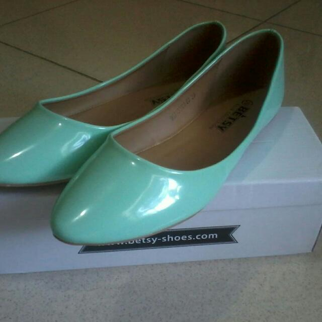 BETSY BASIC BALLERINAS FLAT SHOES GREEN NEW
