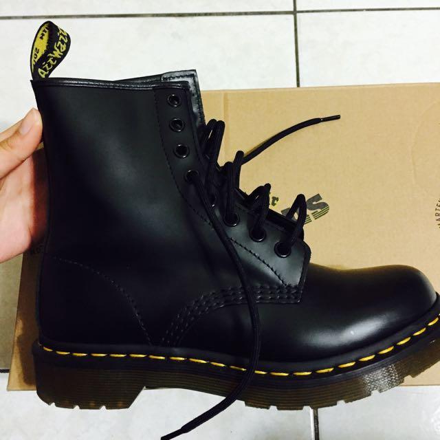 Dr.Martens 馬丁鞋 黑色八孔 Uk4
