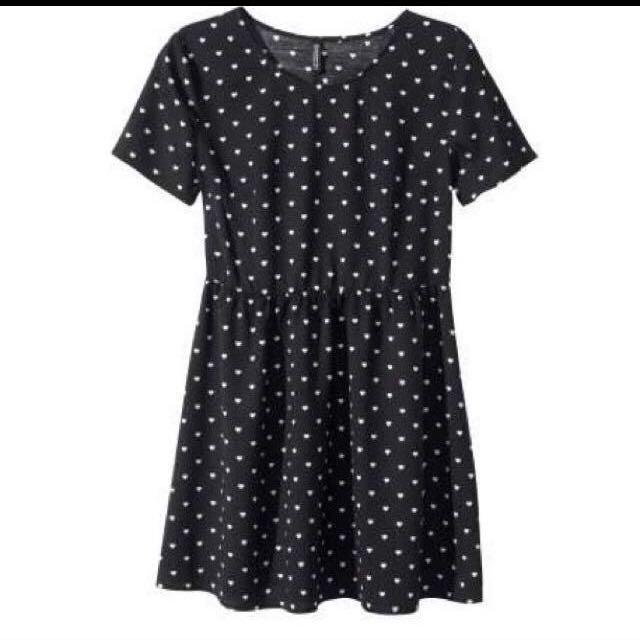 900ed8db38 H&m Black Polka Dot Skater Skirt, Women's Fashion on Carousell