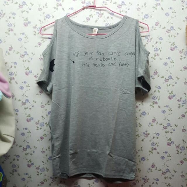 四件露肩Tshirt一起賣