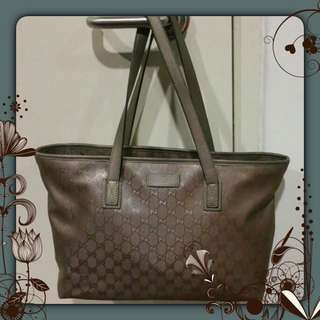 HOT SALES $250 Today Only!Authentic Gucci Bag (reserved)