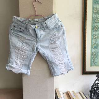 淺色牛仔 膝蓋上短褲M