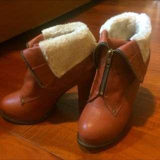 英倫風馬丁毛毛高跟短靴❤️new