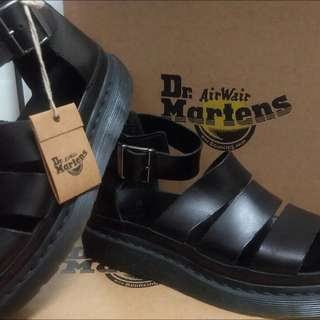 Dr.Martens 馬丁涼鞋,全黑現貨