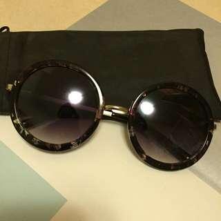 金屬邊框造型太陽眼鏡