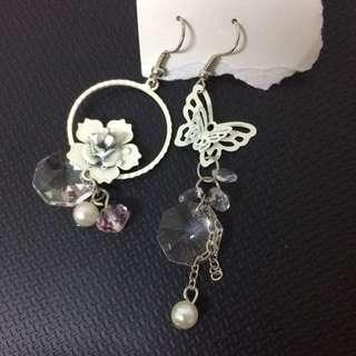 韓系 玫瑰蝴蝶不對襯耳環