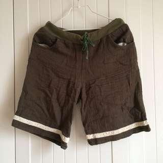 降↓↓日本小店自然森林系🌳🌿皺皺布料軍綠色抽繩蕾絲拼接五分短褲