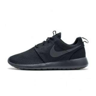 少量補貨 wmns Nike roshe one  全黑
