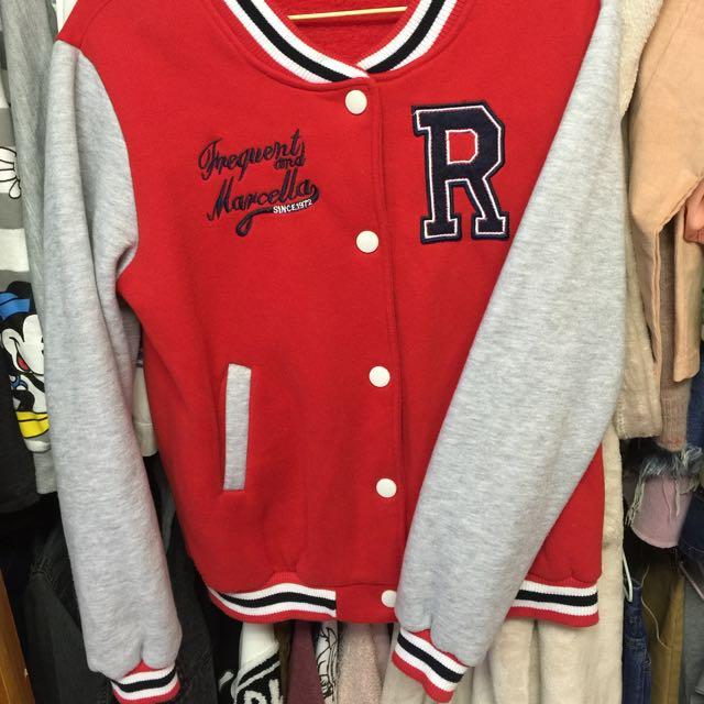 紅色內刷毛棒球外套