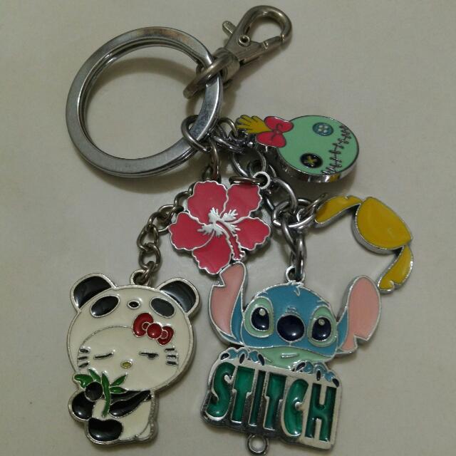 史迪奇鑰匙圈+一隻Hello Kitty