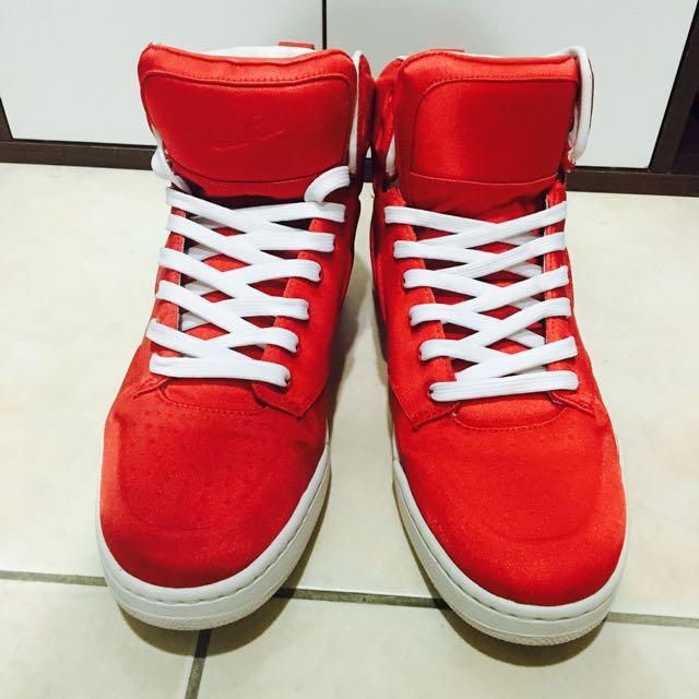 Nike 紅色女鞋 珍珠皮光澤