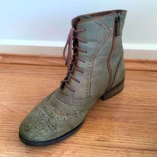 European Fur Lined Leather Boots