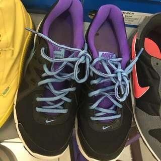 二手球鞋 Nike 9成新 淺草購買