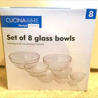 Set Of 8 Glass Bowls - Largest Is A Full Size Mixing Bowl And Goes Down To The Small Cute Egg Or Spice Bowl