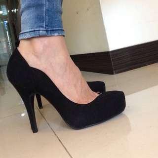[全新]Sonia黑色流線型高跟鞋