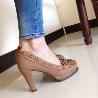 ✅保留中  韓版復古高跟鞋