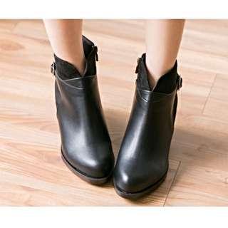 正韓 衣服日記 設計拼接V型粗跟短靴 24.5