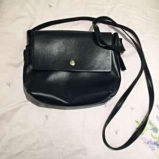 黑色側背小包(含運)