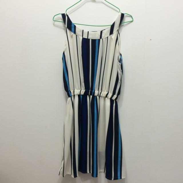 削肩直條紋洋裝