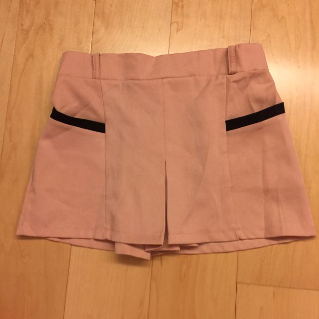 雪紡粉色配黑 口袋短褲