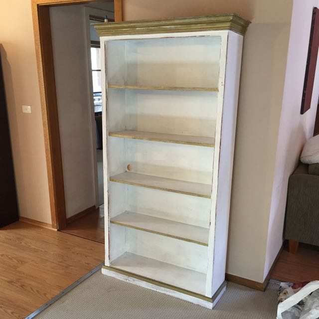 Beachy Bookshelf Up For Grabs