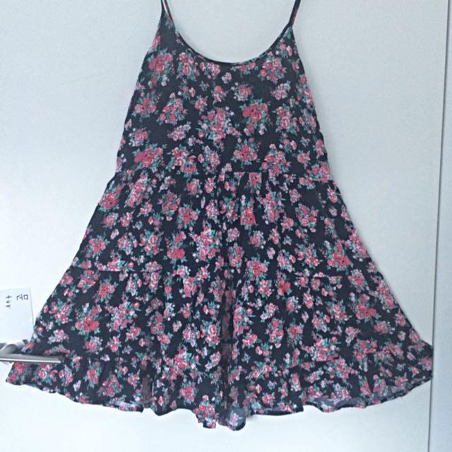 Flower Pattern Cute Dress Back Free