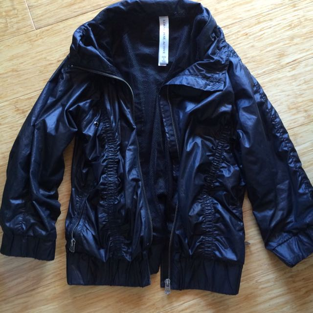 Lorna Jane activewear jacket
