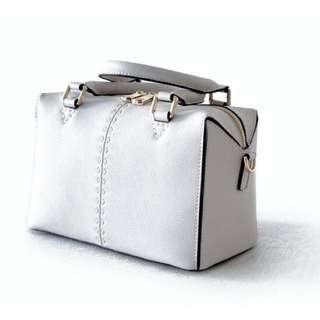 全新歐美新款 白色優雅百搭 牛皮手拿 手提 肩背 側背包