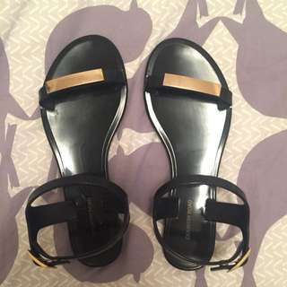 COUNTRY ROAD PLASTIC SANDALS
