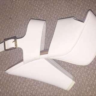 Size 38/7-7.5 White Block Heels Rubi Shoes