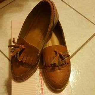二手 350 棕色流蘇樂福鞋