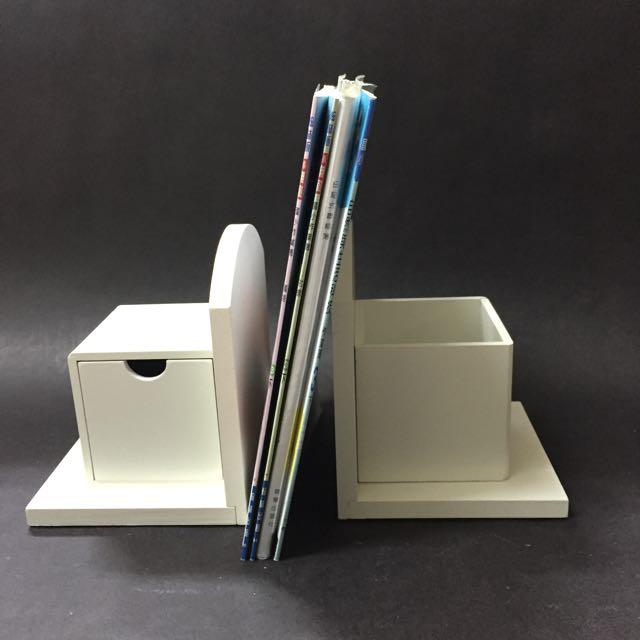 白色木製書擋筆筒抽屜三合一