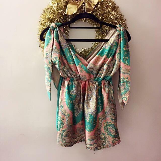 花花粉綠緞面隨意綁帶上衣