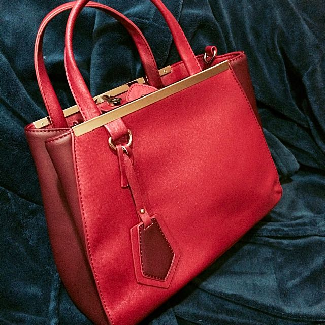 氣質紅色手提包