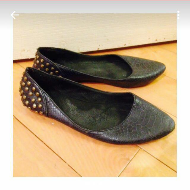 鉚釘蛇紋平底鞋 39號