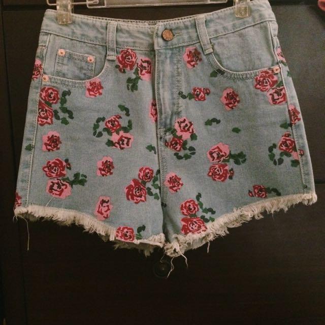 New 高腰玫瑰抽鬚牛仔短褲