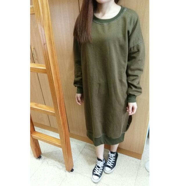 韓版個性開叉長T(軍綠)