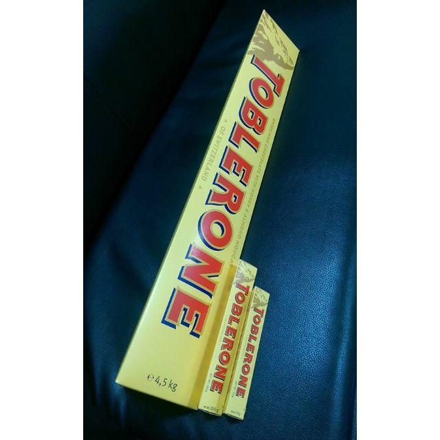「全球限量,超級大」瑞士三角巧克力TOBLERONE(本體長78公分,重4.5公斤)1800元郵寄免運,只有一支