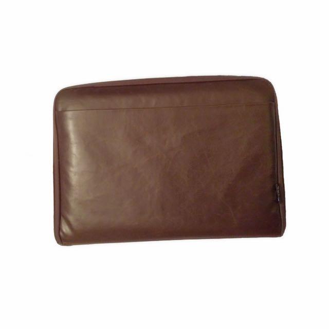 Typo notebook case