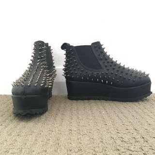 UNIF Hellseeker Boots