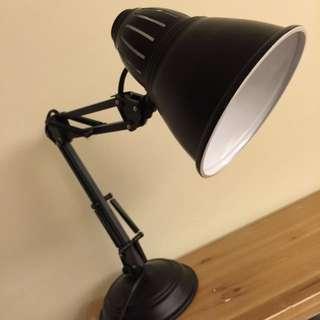 生活工場-枱燈(附LED燈泡黃光)