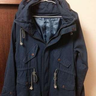 寶藍色軍外套