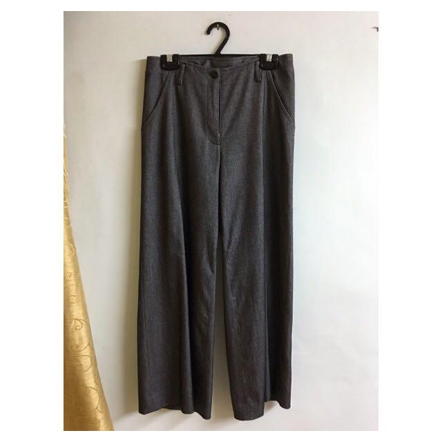 有牌子的寬褲
