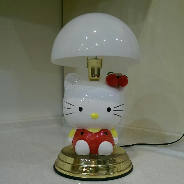 Hello Kitty,二手,觸控式調光,有三段明暗,有使用痕跡,介意者勿入。